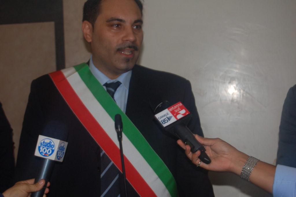 Melucci(5)